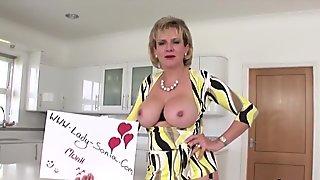 Unfaithful british mature lady sonia showcases her giant boobies