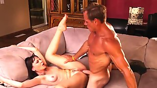 Mature amateur loves to get pounded hard