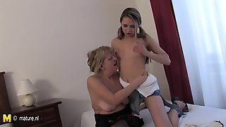 Granny loves to fuck with younger fanny