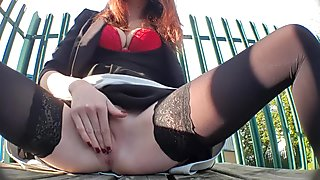 Risky squirting and creaming on public bench!