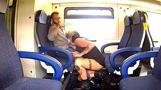 milf vogliosa in treno