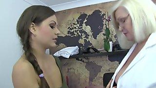 LACEYSTARR - Beautiful dyke pussy examined by doctor GILF